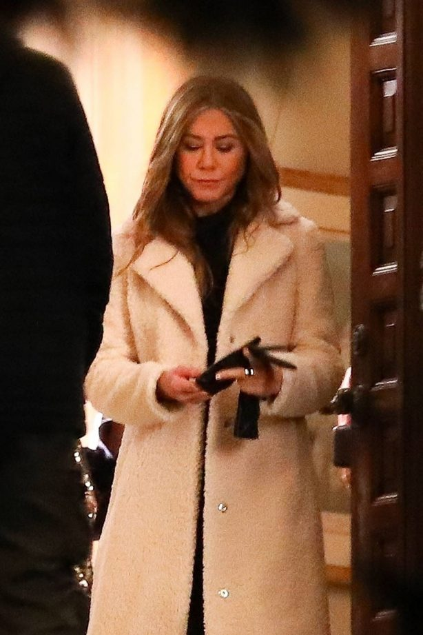 Jennifer Aniston - Films The Morning Show in Los Angeles [adds]